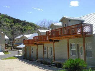 Tiki Lofts on the Guadalupe! Book 1 Night, Get 1 Free!, New Braunfels