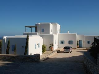 Villa Fiona - Luxury Properties in Paros