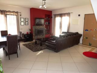 Fantastic 3 bed  Villa with pool in Ferreiras
