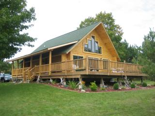 Log home on the Lake., Charlevoix