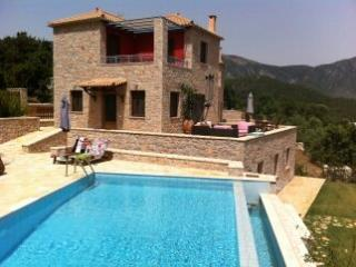 LUXURY VILLA, Leonidio