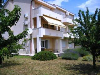 Dino studio for 2 - 300 meters from the beach, Krk