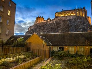Castle view&Grassmarket studio flat
