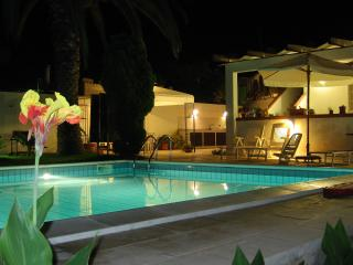 VILLA ADAMO from 12 to 19 people, Marina di Ragusa
