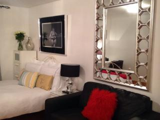 Stylish Apartment Situated In East London
