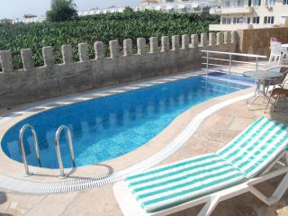 Castle View Villa & pool Beach/Shops/Bar 5/10 mins