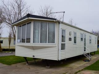 Elan 3 Bed Luxury Caravan SandLeMere Holiday park, Withernsea