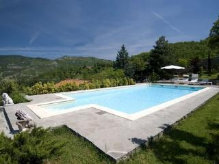 VILLA LA FONTE - Wonderful Exclusive Villa 12+1 sleeps in Tuscany
