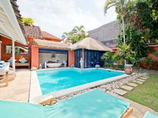The Beach House Seminyak Family/Group Villa w/pool