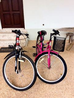 2 bicycles available for guest.