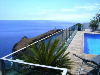 Paradise Villa - FREE CATAMARAN TRIP ON A BOOKING, Madeira