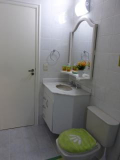 Outra vista do banheiro social