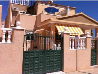 Torrevieja Luxury Villa.Sea,Park Views. Free WiFi