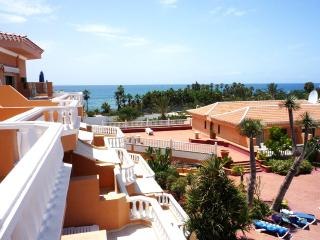 1 Bdr APT with ocean view Beachside Complex, Playa de las Américas