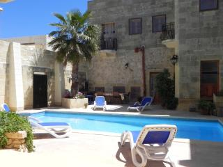 Bed and Breakfast & Gozovigliando Double bedroom, Nadur