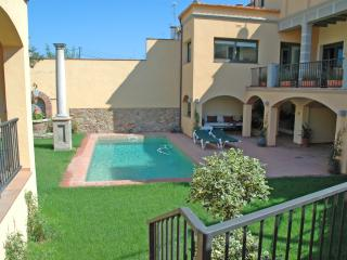 LUXURY HOUSE POOL&GOLF COSTA BRAVA, Llagostera