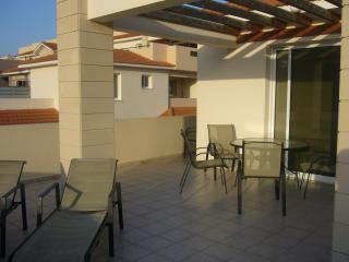 2 bed apartment with large roof terrace, Pyla