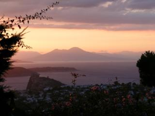 Secluded Italian Villa, Amazing views and comfort., Ischia
