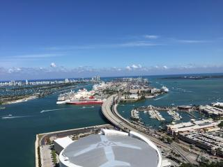 Breathtaking Luxury Apt 2 bedr 2 bathrs Miami
