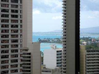 Penthouse studio In Waikiki, Free WIFI, Honolulu