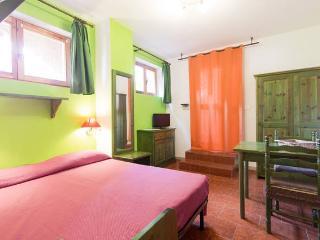 Accoglienti appartamenti 10 mt dalla spiaggia, Cala Gonone