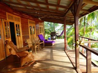 Casa rojo jengibre Eco-confort, Isla Bastimentos