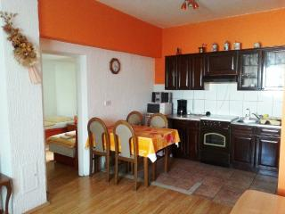 Apartment Corry for 4 persons with AC and WiFi, Bilje