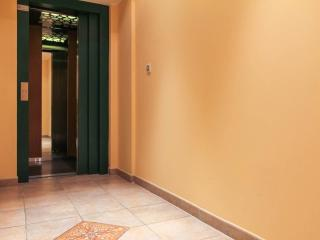 Ground floor main  entrance with modern, well maintaintained lift to all apartments