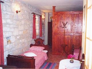 TH00121 One Bedroom, Kastelir