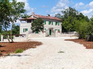 TH00423 Villa Stancija Cortina, Kringa