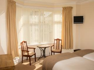 Sun Haven Luxury Apartments - Ground Floor, Bournemouth