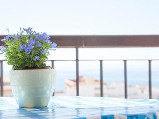 Disfruta la plena vista al mar desde el balcón