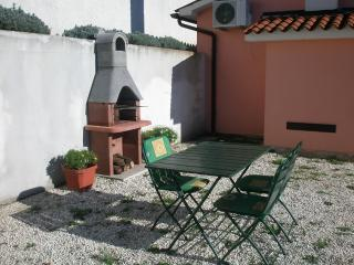 Apartment Adria for 4 persones with WIFi and AC, Kastelir