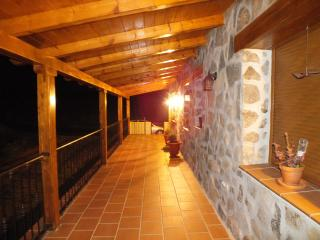 Casa de piedra muy singular y acogedora., Province of Avila