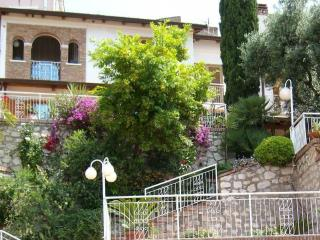 Villa Nunzia with  pool, sea view between Rom &Na, Minturno
