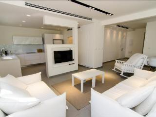 LUXURIOUS 3 BEDROOMS TLV HEART, Tel Aviv
