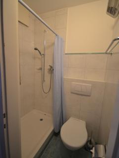 Shower and toilet in the studio
