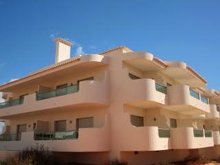Veloso Yellow Apartment, Porches, Algarve