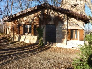 "CHALET IN THE WOOD ""Colle lungo"", Sarnano"