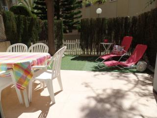 Gorgeous Baby-friendly Apt 2 min from beach, WIFI, Campello