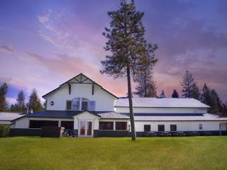 Silverwood, Farragut. Sleeps 38! Reunions, Retreat, Ashton