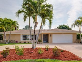 Heated Pool, Hot Tub, access to Gulf of Mexico, Cape Coral