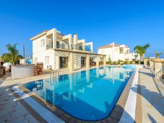 Alexandros 4 seafront Fig Tree Bay Paradise Villa