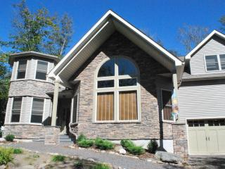 Newer/Immaculate Pocono Home-All Seasons, Gouldsboro