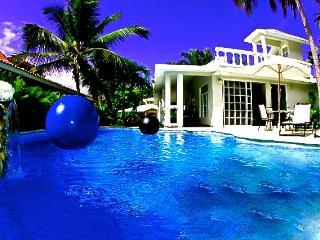 Cabarete Bay Beach House 3 Bedroom Bahia de Arena
