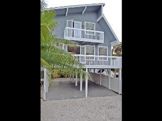 Coastal Siesta Key Vacation Rental Home W/ Heated Pool and Beach Access