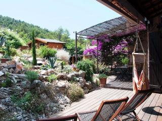 Magnifique villa - hauteurs de Hyeres - Calme pour famille(s) 8 couchages Max
