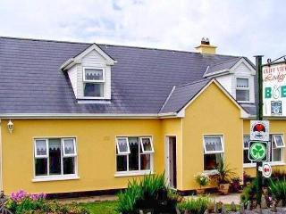 Bed and Breakfast in Liscannor in a House -3 guest