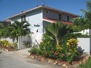 215C Reflections - beautiful home close to beach, Jolly Harbour