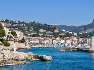 Appartement  face a la mer et au Cap Canaille.